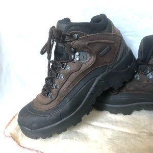 Leather waterproof hiking boots size 9 TRS